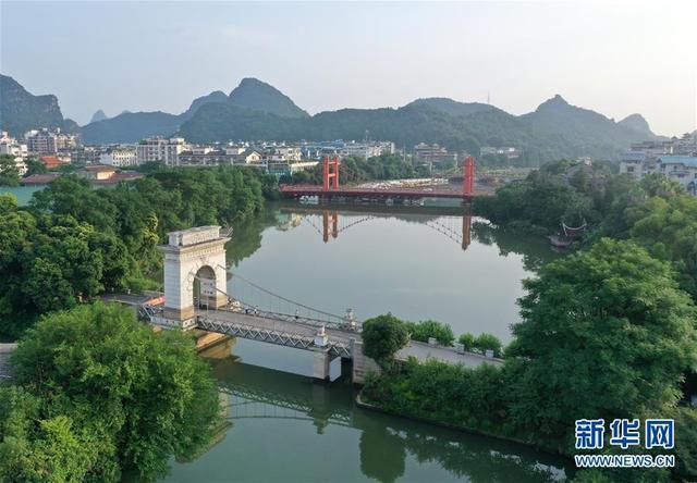 组图:中国桂林湖光夏日美