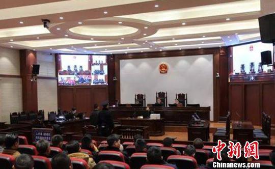 中国四川首例:失恋男子高速上逆行27公里    一审被判四年