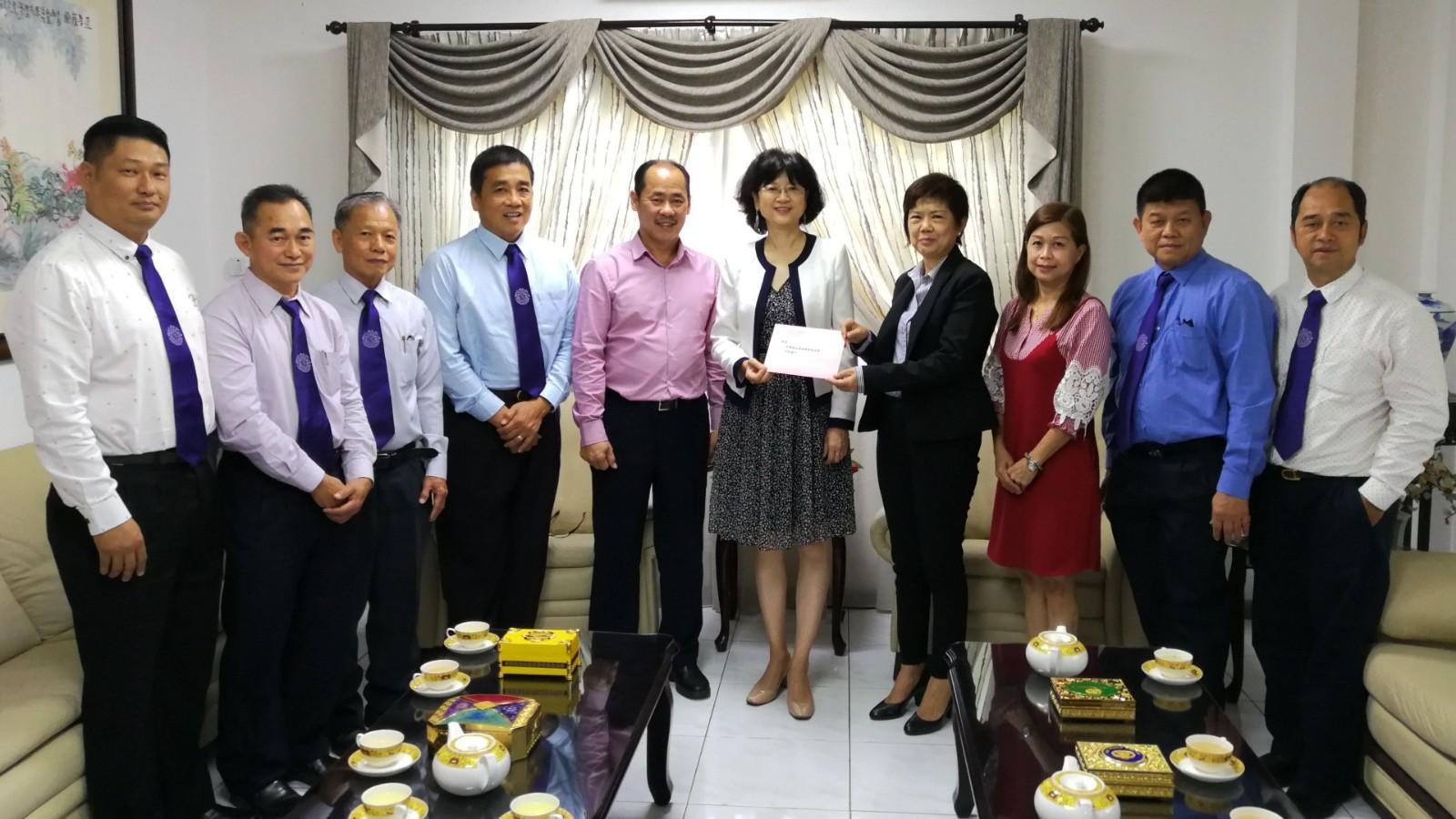 中国驻文莱大使于红会见文莱福州十邑同乡会一行