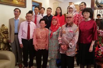 中国驻文莱大使于红出席文莱华社农历新年开放日