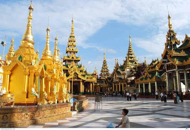 老挝2018年接待游客410万人次 将大力发展旅游业
