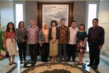 中国驻文莱大使于红会见文莱-中国友好协会会长陈家福
