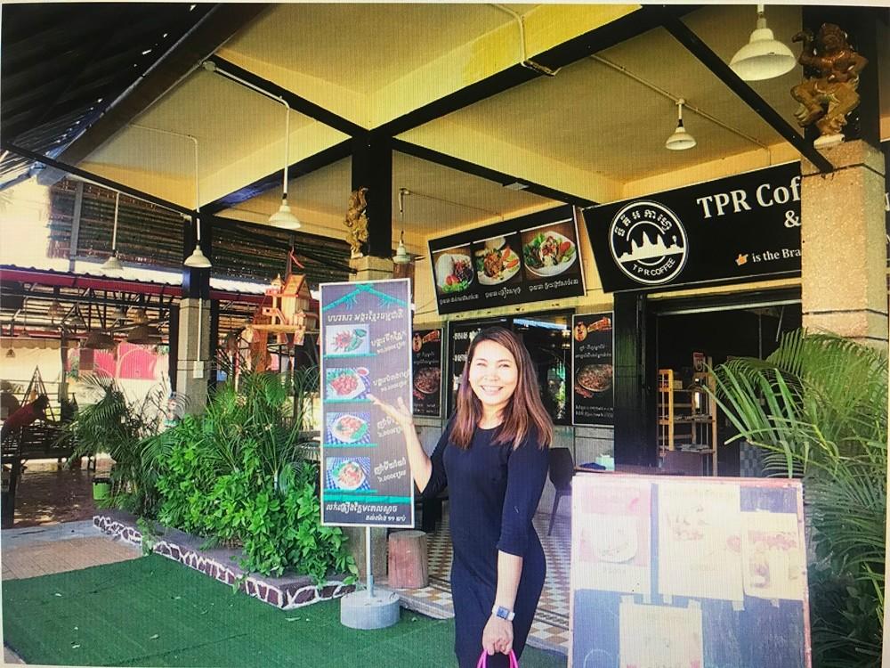支持华为 柬埔寨一餐厅推新举措:带华为手机可优惠15%