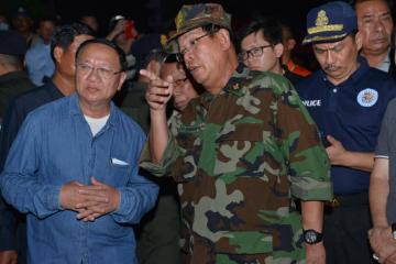 在建大楼坍塌死伤超过50人 柬埔寨西哈努克省省长引咎辞职
