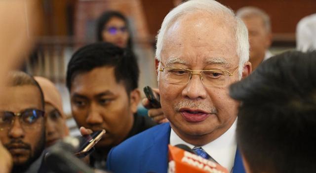 """马来西亚前总理纳吉布 一天刷卡76万欧买珠宝送""""国礼"""""""