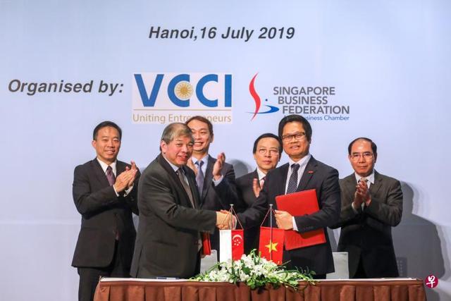 越南新加坡商务理事会成立 推进两地企业之间合作
