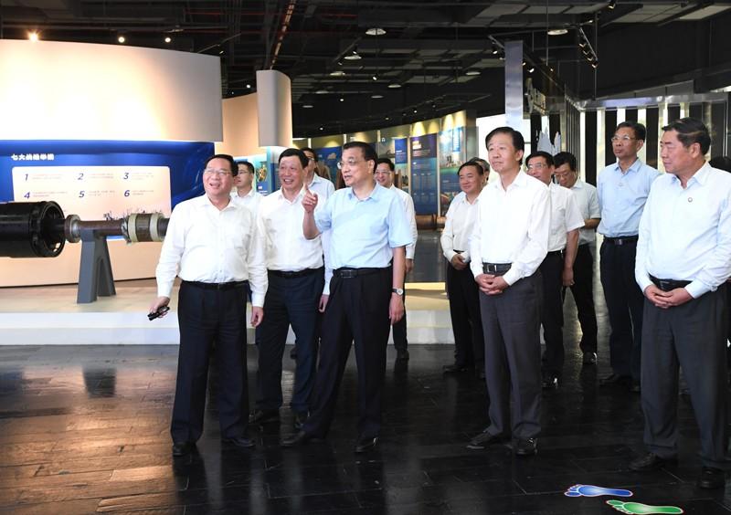 中国总理李克强在上海考察 以更大力度改革开放促发展惠民生