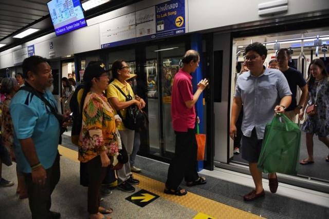 曼谷新地铁线开通,连接唐人街