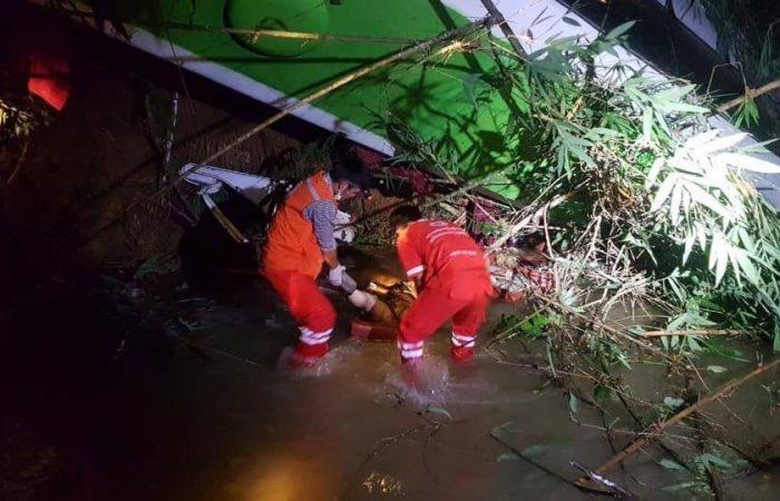 中国旅行团在老挝发生车祸 已经13人死亡 31人受伤