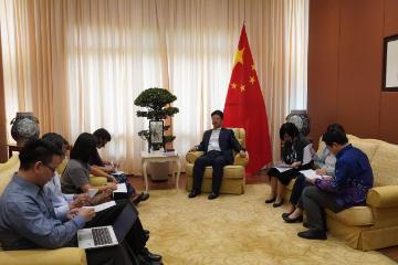中国驻马来西亚大使就新疆问题接受马来西亚主流媒体联合采访