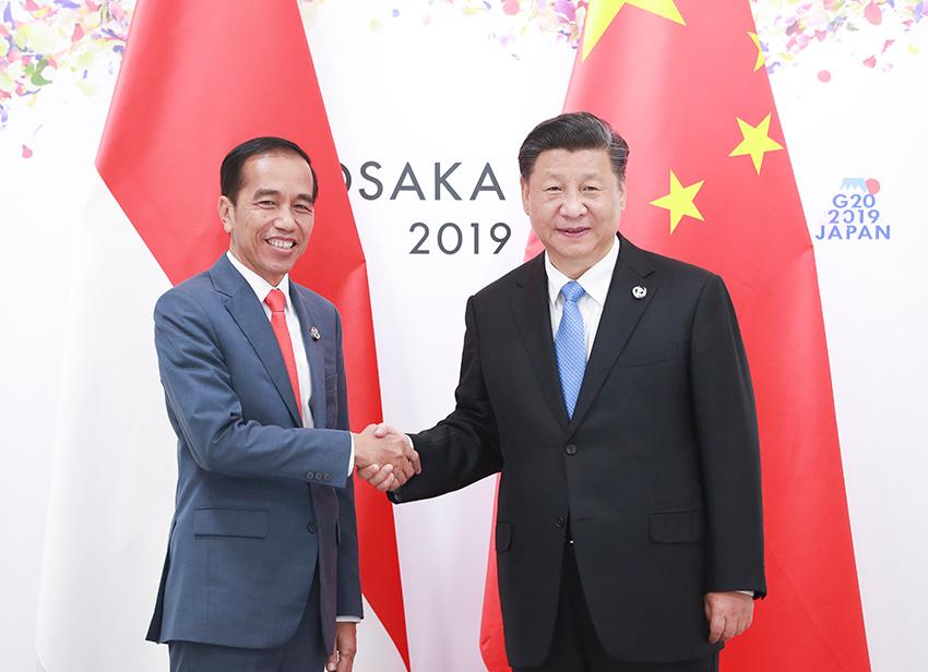 中国主席习近平同印尼总统通电话谈及疫情 愿提供支持帮助