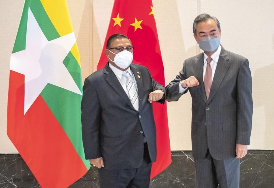 中国外长王毅会见缅甸外长温纳貌伦 支持缅国内和平和解进程